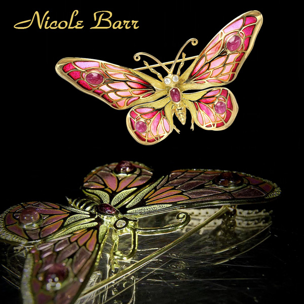 18kt gold butterfly brooch